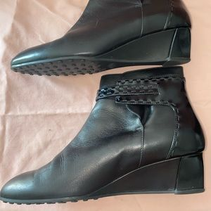 Tod's Shoes - TODS leather ankle boots